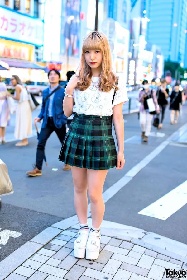 Plaid-Pleated-Skirt-Harajuku-2014-06-22-DSC8339-600x900