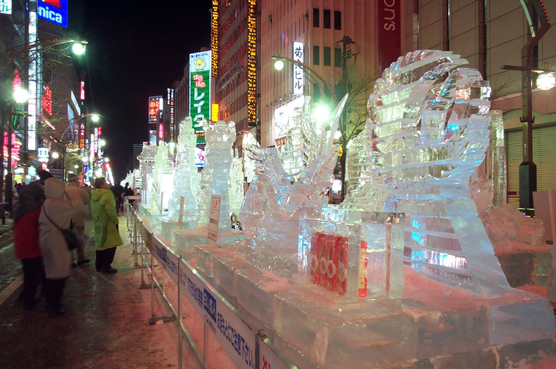ice-in-susukino-263