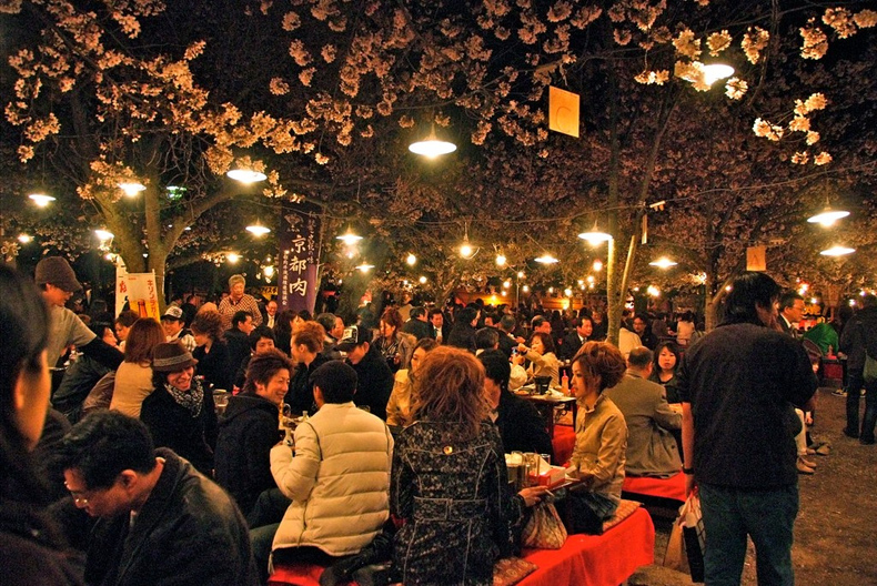 night-hanami-kyoto-468-160