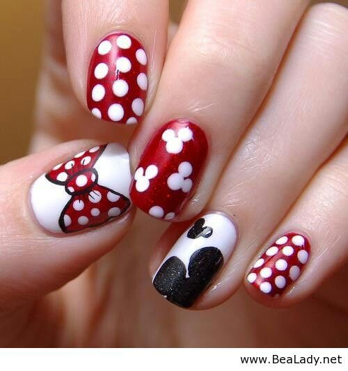 red-black-and-white-minnie-mouse-disney-nails