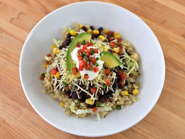 Quinoa-Black-Bean-Burrito-Bowl-Main-640x480