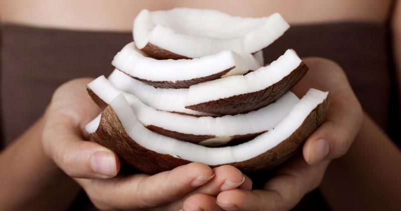 coconut-oil-hair-mask-810x426