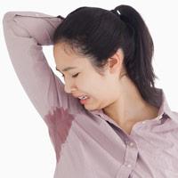 woman_with_sweaty_armpit_28_11_12