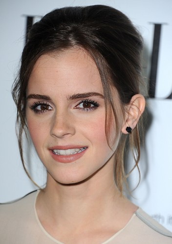 ELLE-s-19th-Annual-Women-In-Hollywood-Celebration-15-10-2012-emma-watson-32496116-352-500