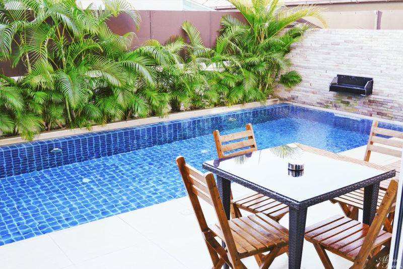 ปาร์ตี้ริมสระกัน รีวิว The Ville Jomtien Pool Villa ที่